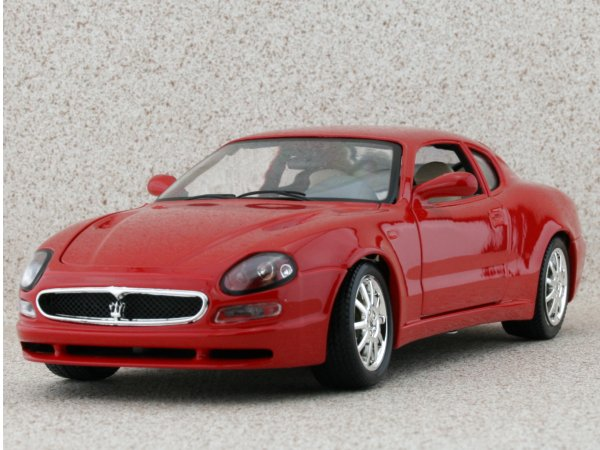 MASERATI 3200 GT Coupe - 2000 - red - Bburago 1:18