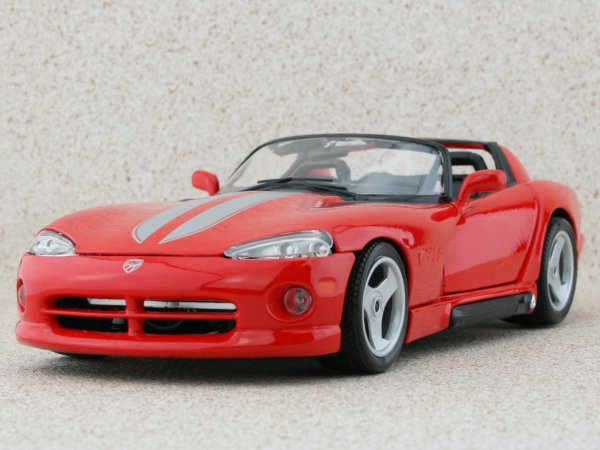 DODGE Viper RT10 - red / silver - Bburago 1:18