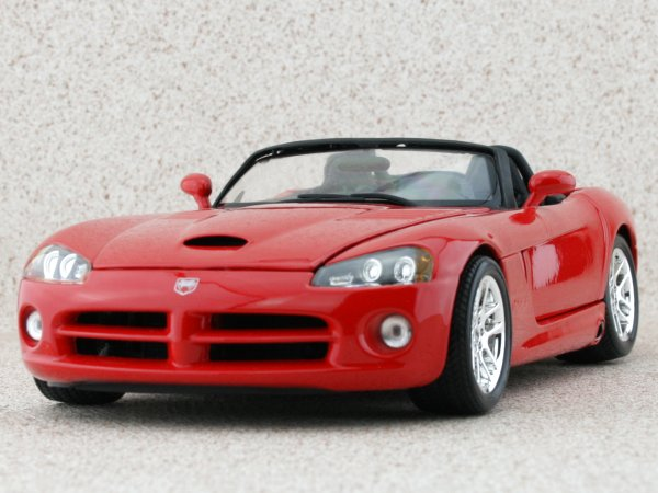 DODGE Viper RT10 - red - Bburago 1:18
