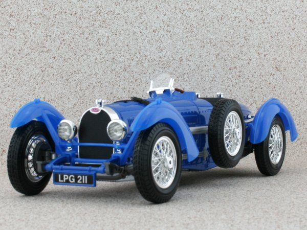 BUGATTI Type 59 - 1934 - blue - Bburago 1:18