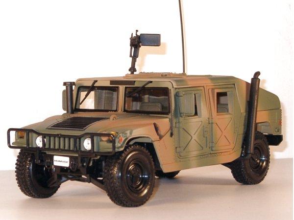 AMC Humvee - camouflage - Maisto 1:18