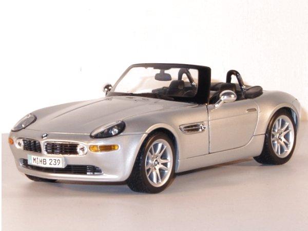 BMW Z8 - silver - Maisto 1:18