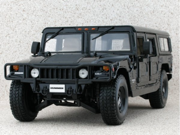 AMC HUMMER H1 - 4-Door Station Wagoon - black - Maisto 1:18