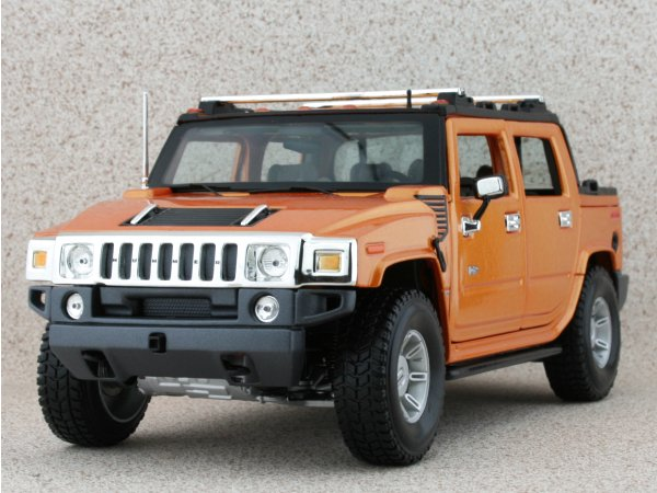 AMC HUMMER H2 SUT Concept - orangemetallic - Maisto 1:18