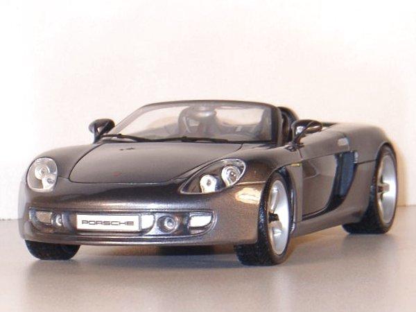 PORSCHE Carrera GT - greymetallic - Maisto 1:18
