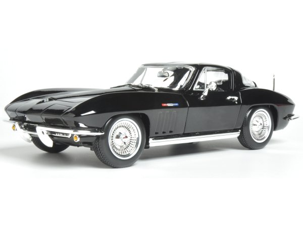 CHEVROLET Corvette - 1965 - black - Maisto 1:18