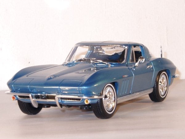 CHEVROLET Corvette - 1965 - bluemetallic - Maisto 1:18