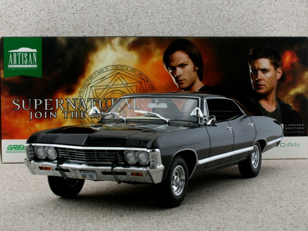 CHEVROLET Impala Sport Sedan - 1967 - black - Greenlight 1:18
