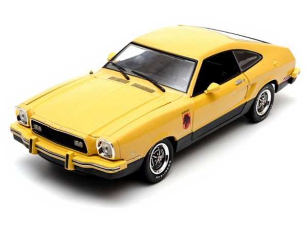 FORD Mustang II Stallion - 1976 - yellow - Greenlight 1:18