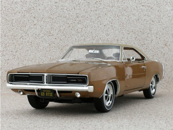 DODGE Charger R/T SE - 1969 - brownmetallic - ERTL 1:18
