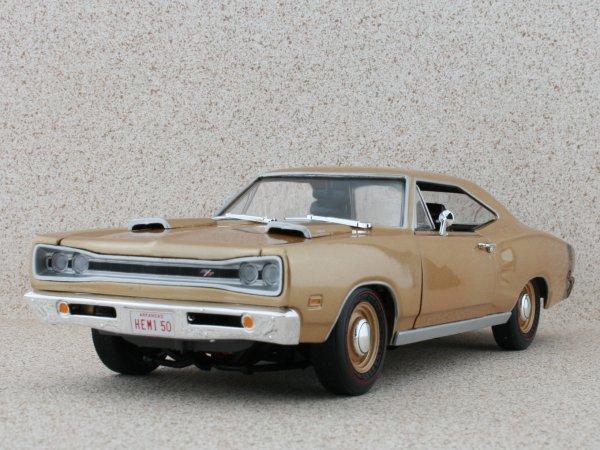 DODGE Coronet R/T - 1969 - bronzemetallic - ERTL 1:18