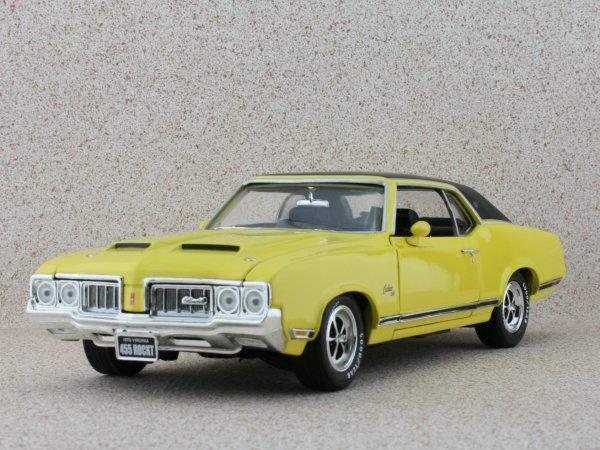 OLDSMOBILE Cutlass SX - 1970 - yellow - ERTL 1:18