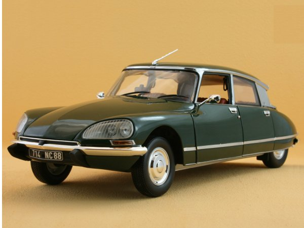 CITROEN DS 23 Pallas - 1972 - Charmille green - Norev 1:18