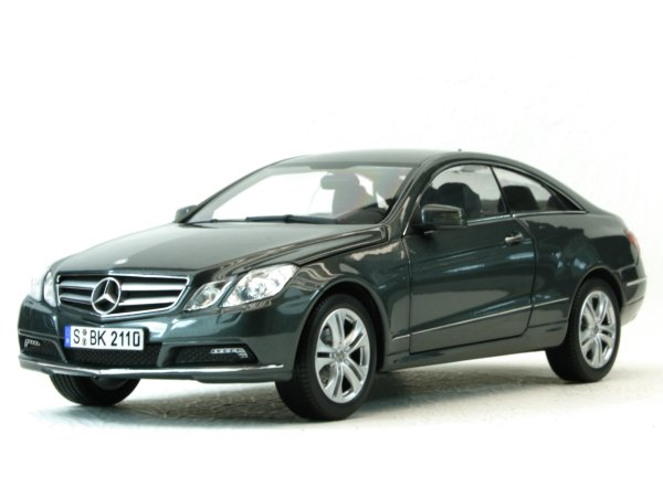 MB Mercedes Benz E 500 Coupe - 2010 - greymetallic - Norev 1:18