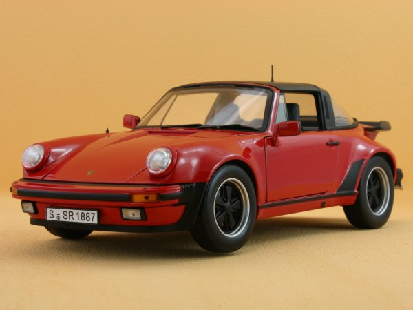 PORSCHE 911 Turbo 3.3 Targa - 1987 - red - Norev 1:18
