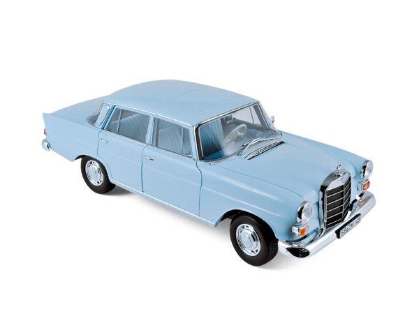MB Mercedes Benz 200 - 1966 - lightblue - Norev 1:18