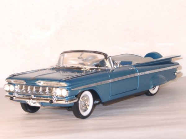 CHEVROLET Impala - 1959 - bluemetallic - Lucky Die Cast 1:18