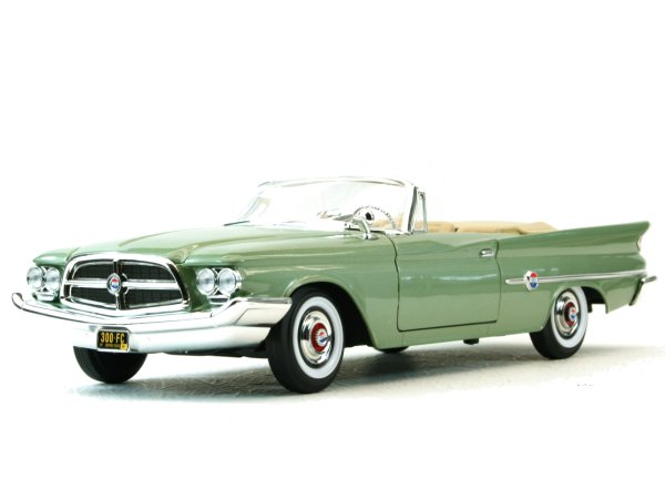 CHRYSLER 300 F - 1960 - greenmetallic - Lucky Die Cast 1:18