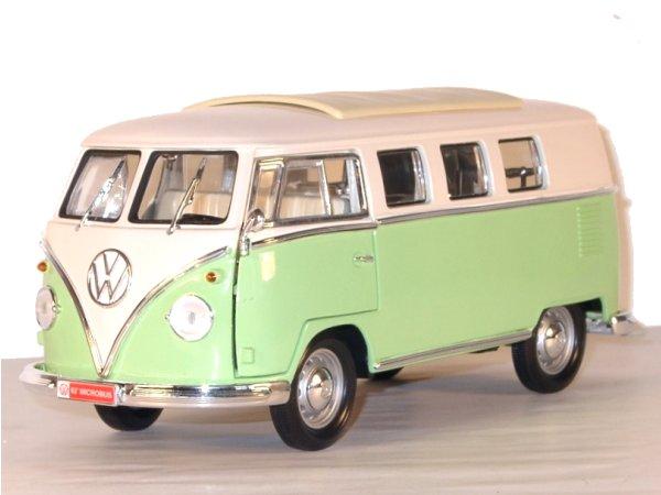 VW Volkswagen T1 Microbus - 1962 - green / white - Lucky Die Cast 1:18