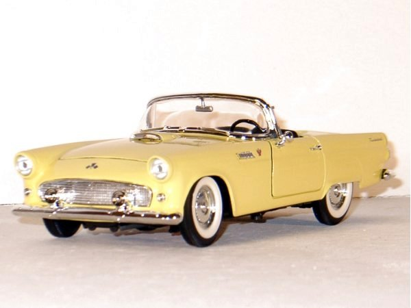 FORD Thunderbird - 1955 - yellow - Lucky Die Cast 1:18