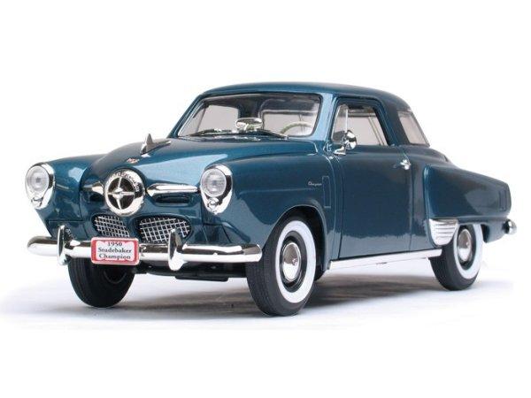 STUDEBAKER Champion - 1950 - bluemetallic - Lucky Die Cast 1:18