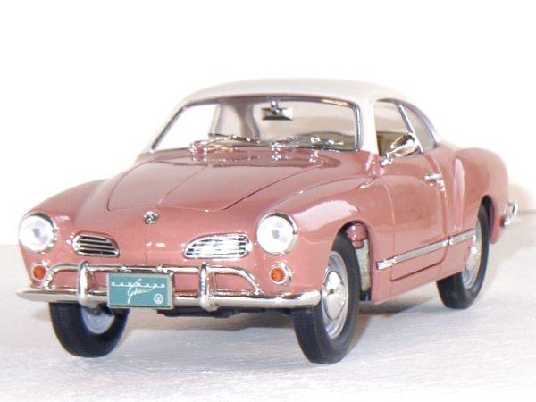 VW Volkswagen Karmann Ghia - 1966 - Coral - Lucky Die Cast 1:18