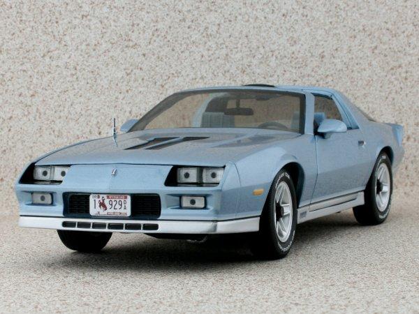 CHEVROLET Camaro Z/28 - 1982 - bluemetallic - Sun Star 1:18