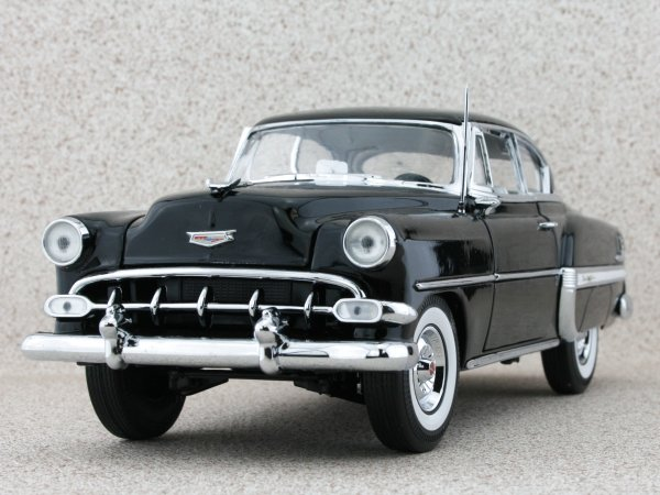 CHEVROLET Bel Air - 1954 - black - Sun Star 1:18