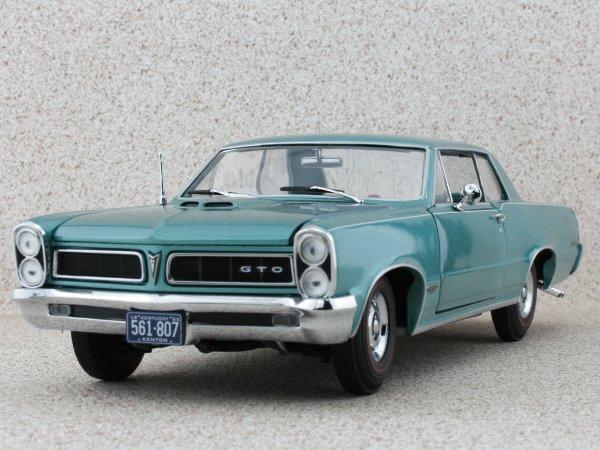 PONTIAC GTO - 1965 - reef tuquoise - Sun Star 1:18