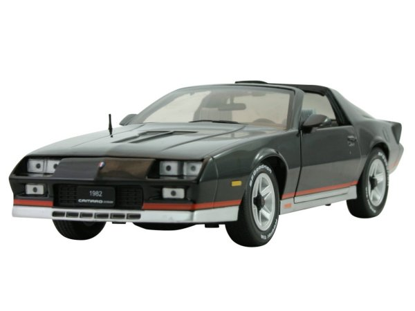 CHEVROLET Camaro Z/28 - 1982 - black - Sun Star 1:18