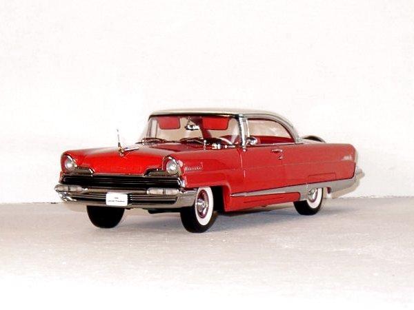 LINCOLN Premiere - 1956 - Huntsman red / white - Sun Star 1:18