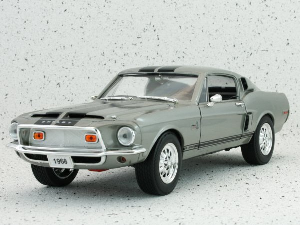 FORD Mustang SHELBY GT 500 - 1968 - silvergrey - YATMING 1:18