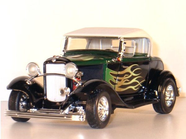 FORD Roadster Street Rod - 1932 - black - YATMING 1:18