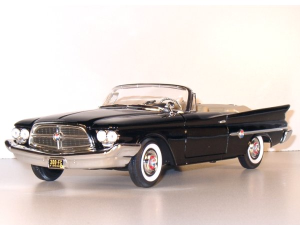 CHRYSLER 300 F - 1960 - black - YATMING 1:18