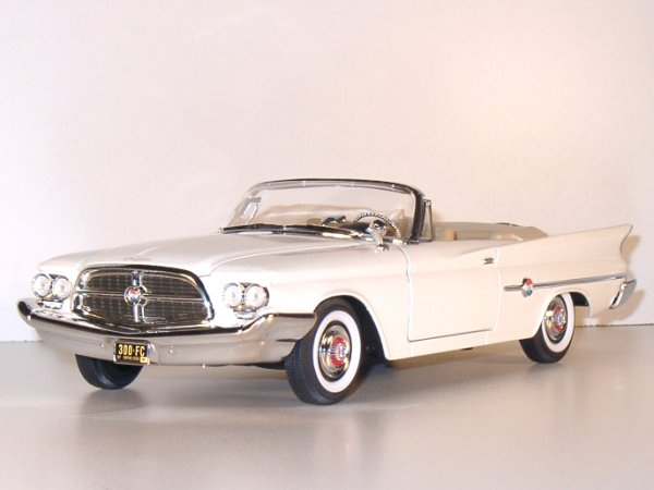 CHRYSLER 300 F - 1960 - white - YATMING 1:18
