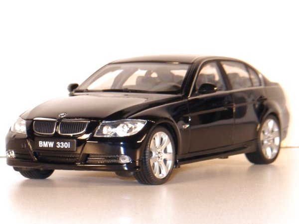 BMW 330 i - black - WELLY 1:18