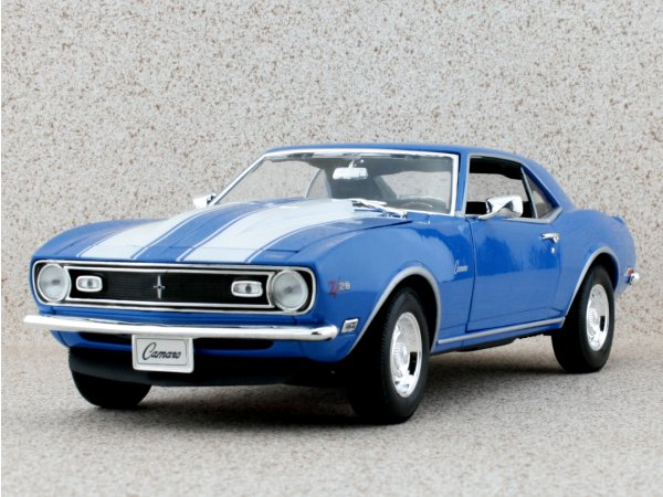 CHEVROLET Camaro Z/28 - 1968 - blue - WELLY 1:18