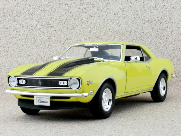 CHEVROLET Camaro Z/28 - 1968 - yellow - WELLY 1:18