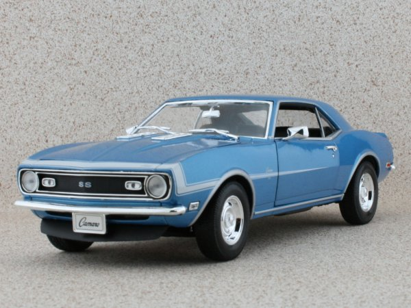 CHEVROLET Camaro SS 396 - 1968 - bluemetallic - WELLY 1:18