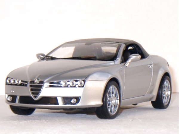 ALFA ROMEO Spider - silver - WELLY 1:18