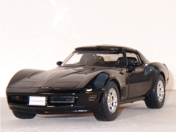 CHEVROLET Corvette Coupe - 1982 - black - WELLY 1:18