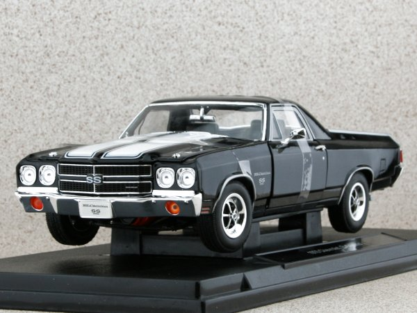 CHEVROLET El Camino - 1970 - black - WELLY 1:18