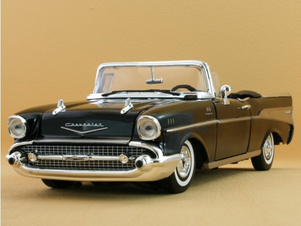 CHEVROLET Bel Air - 1957 - black - MotorMax 1:18