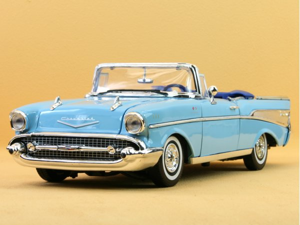 CHEVROLET Bel Air - 1957 - blue - MotorMax 1:18