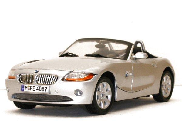 BMW Z4 - silver - MotorMax 1:18