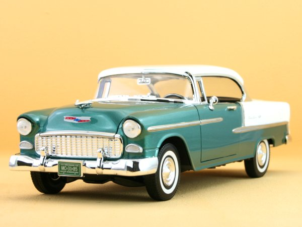 CHEVROLET Bel Air - 1955 - greenmetallic - MotorMax 1:18