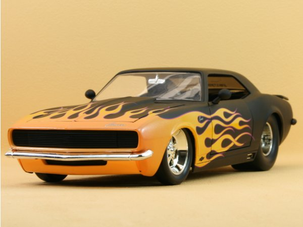 CHEVROLET Camaro - 1968 - black dull - JADA 1:18
