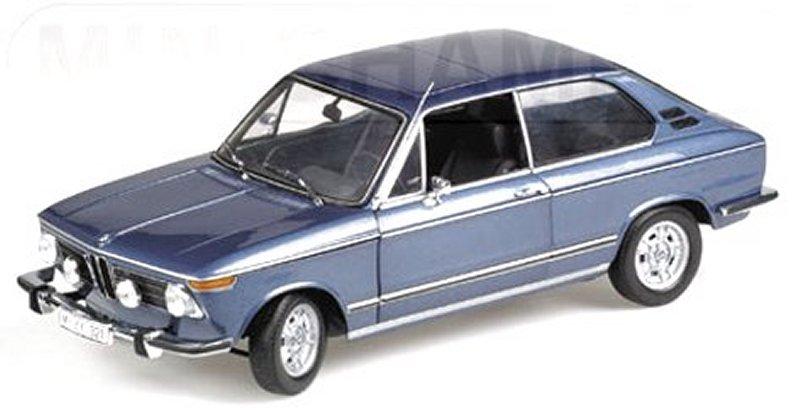 miniatuur 2 - BMW 2000 tii Touring - 1971 - bluemetallic - Minichamps 1:18