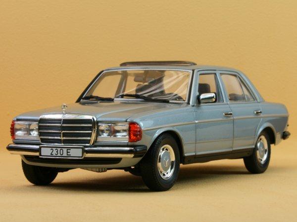 MB Mercedes Benz 230 E - lightbluemetallic - REVELL 1:18