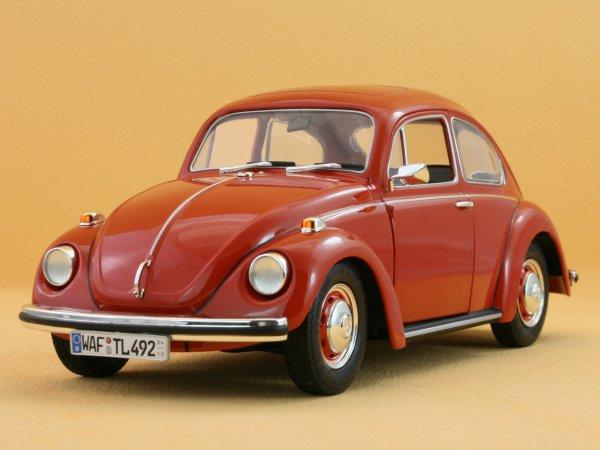 VW Volkswagen Käfer 1302 S / Beetle - redbrown - REVELL 1:18